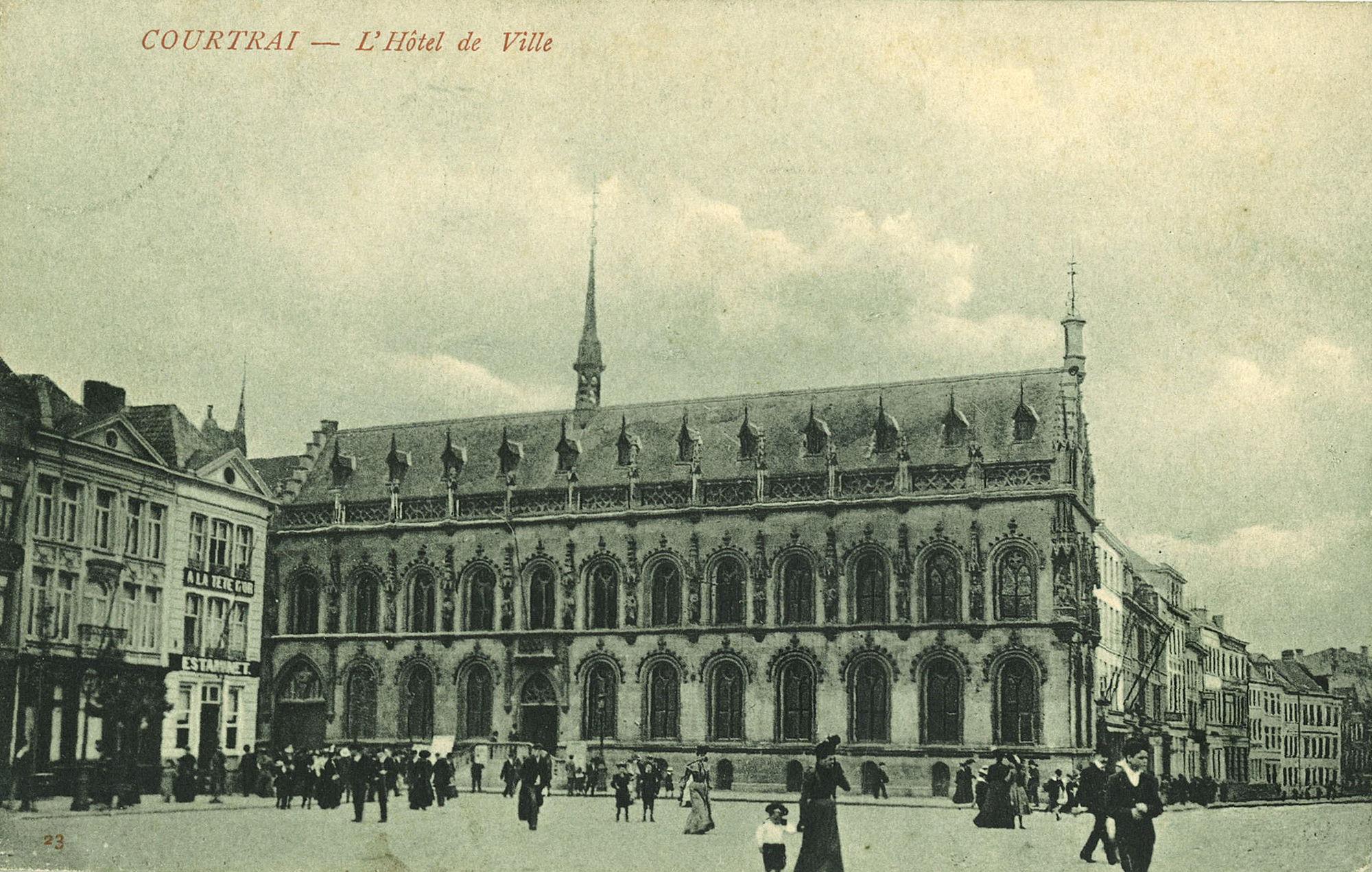 Grote Markt met stadhuis en Leiestraat