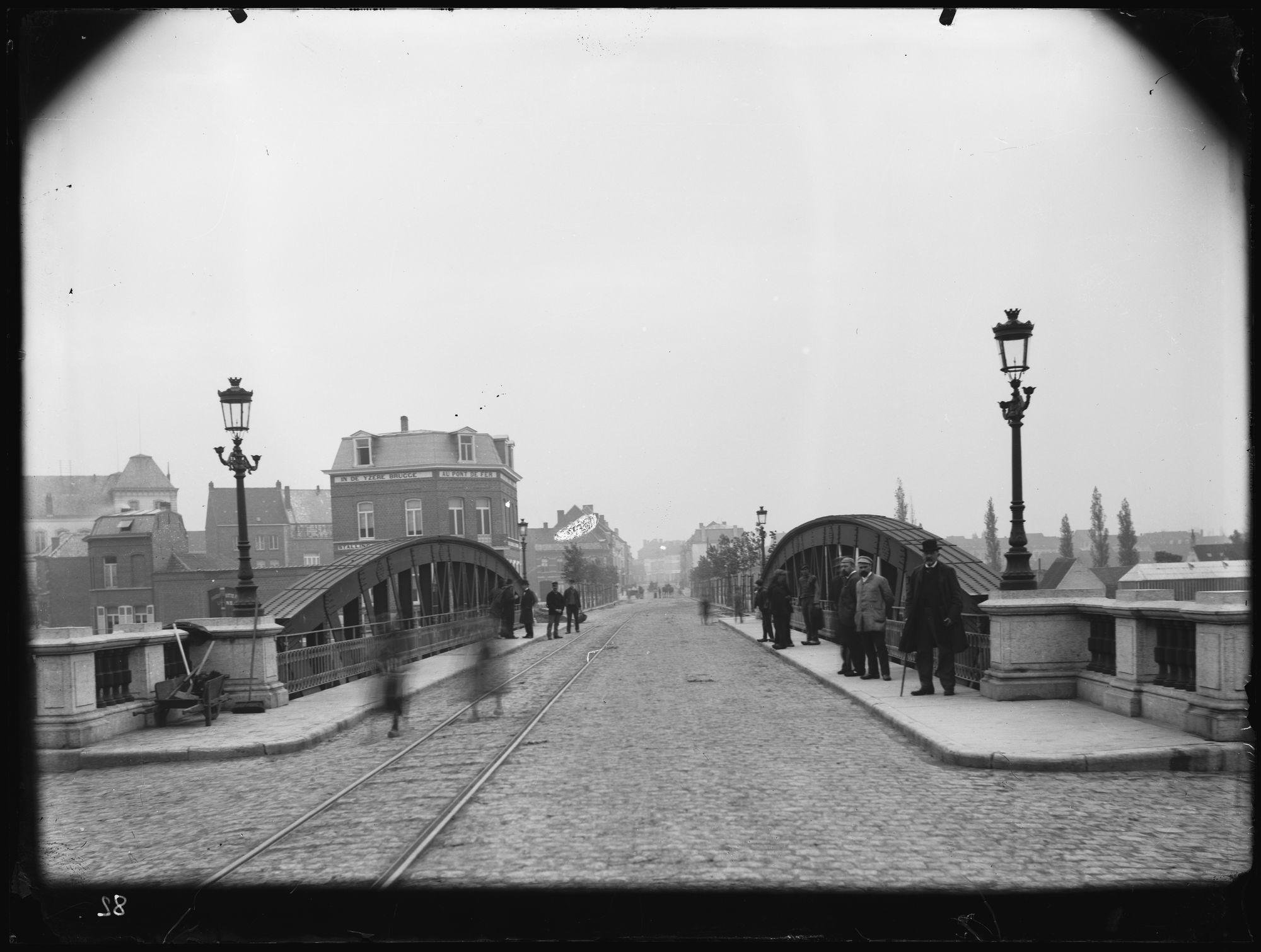 Noordbrug of Gerechtshofbrug circa 1900