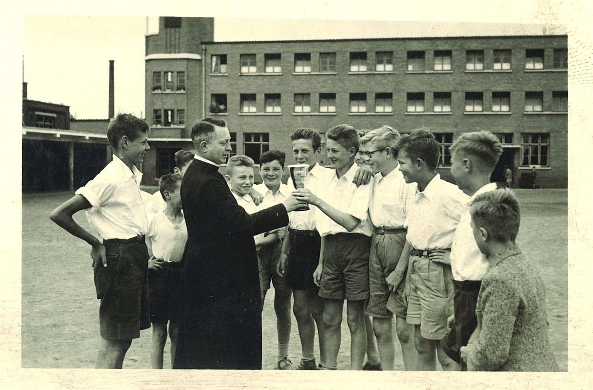 Voetballers van de Broederschool Overleie