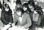 Maurice De Bevere, alias Morris signeert