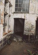 huisje 9 voor restauratie 5 okt 2002.jpg