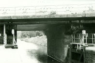 Sluis Nr. 10 op het Kanaal Bossuit-Kortrijk onder de Gentsesteenweg te Kortrijk 1981