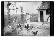 Westflandrica - Stijn Streuvels voedert zijn kippen