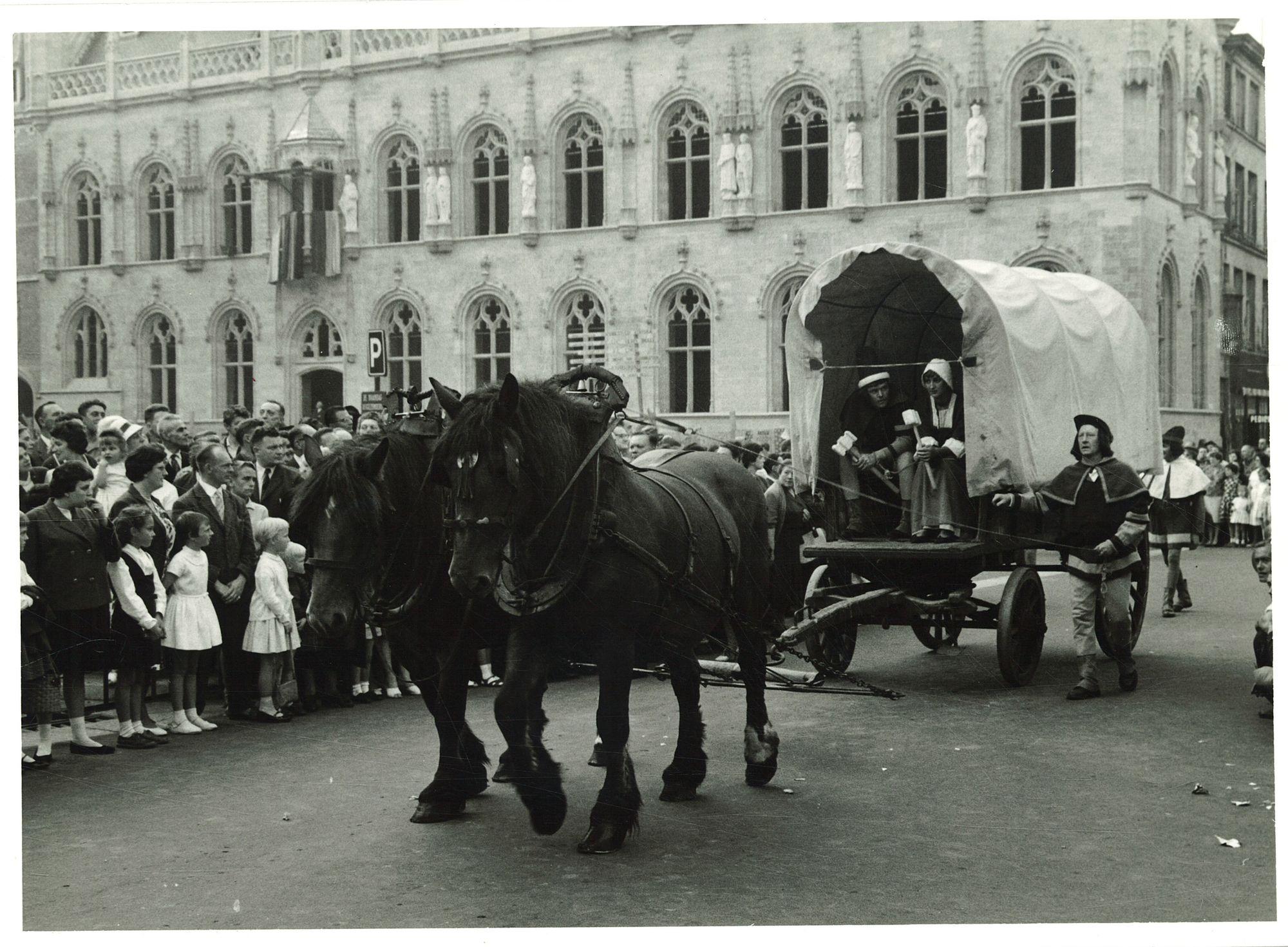 Huifkar op de Manten- en Kallefeesten