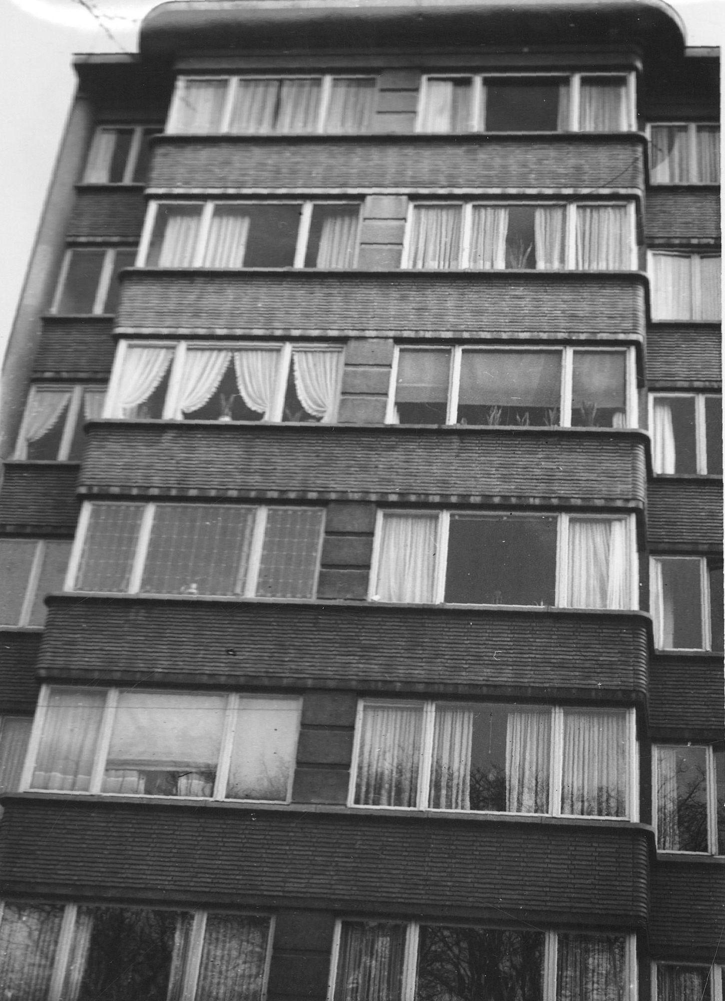 Plein appartementsgebouw