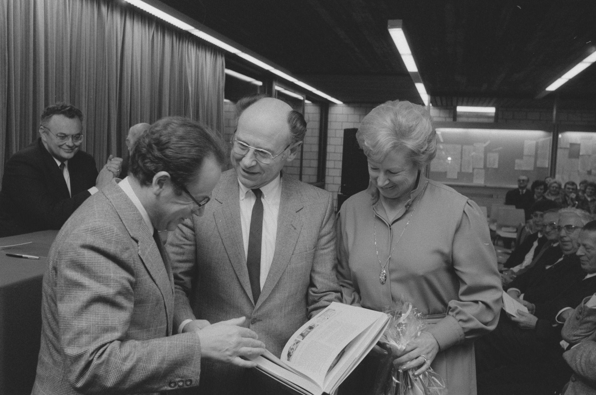 Bert Dewilde bij de voorstelling van zijn boek '20 eeuwen vlas in Vlaanderen'