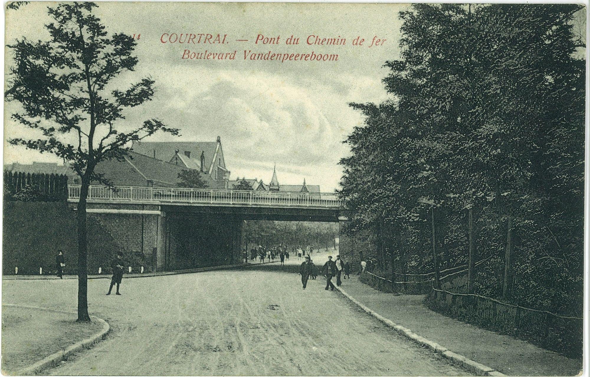 Spoorwegtunnel aan de Minister Vanden Peereboomlaan.