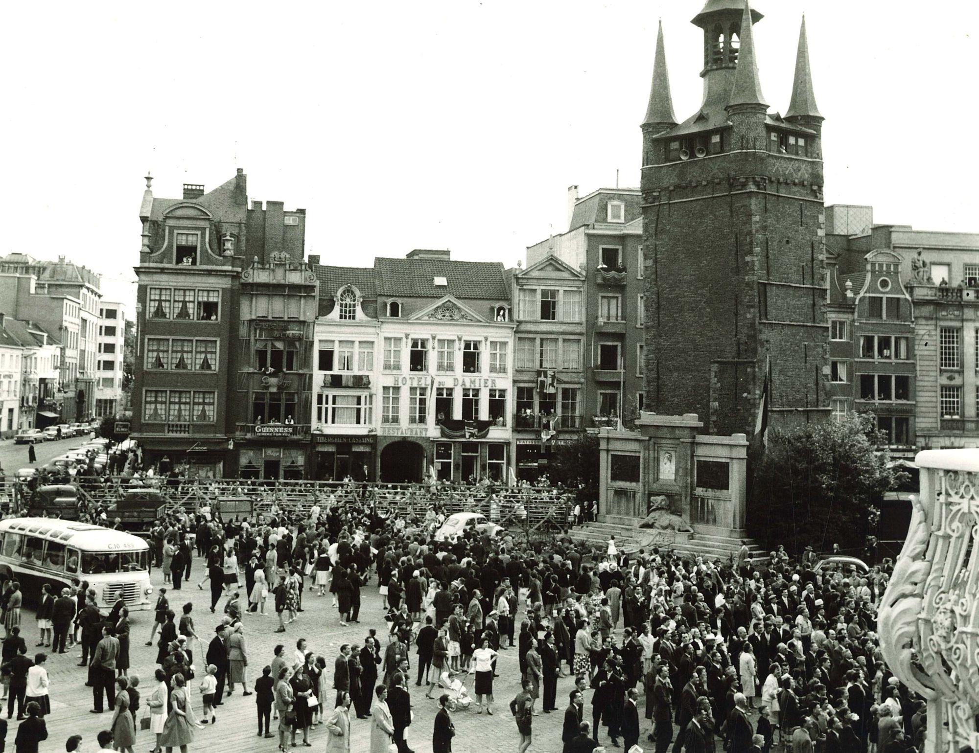 Praalstoet 'De luister van de Nederlandse taal'