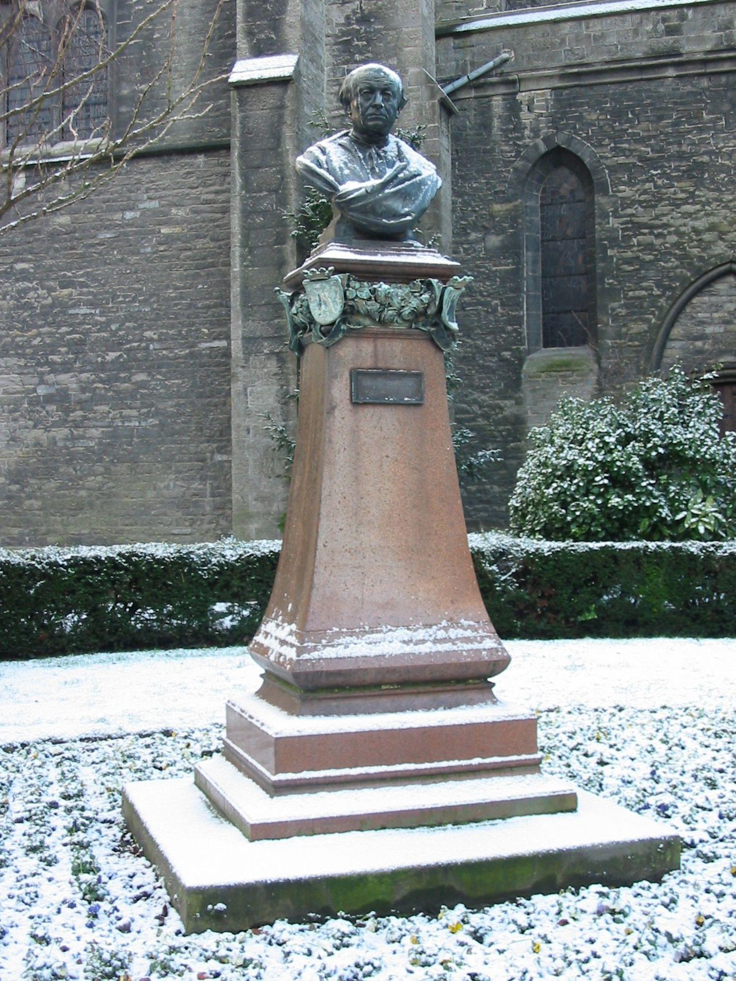 borstbeeld Guido Gezelle