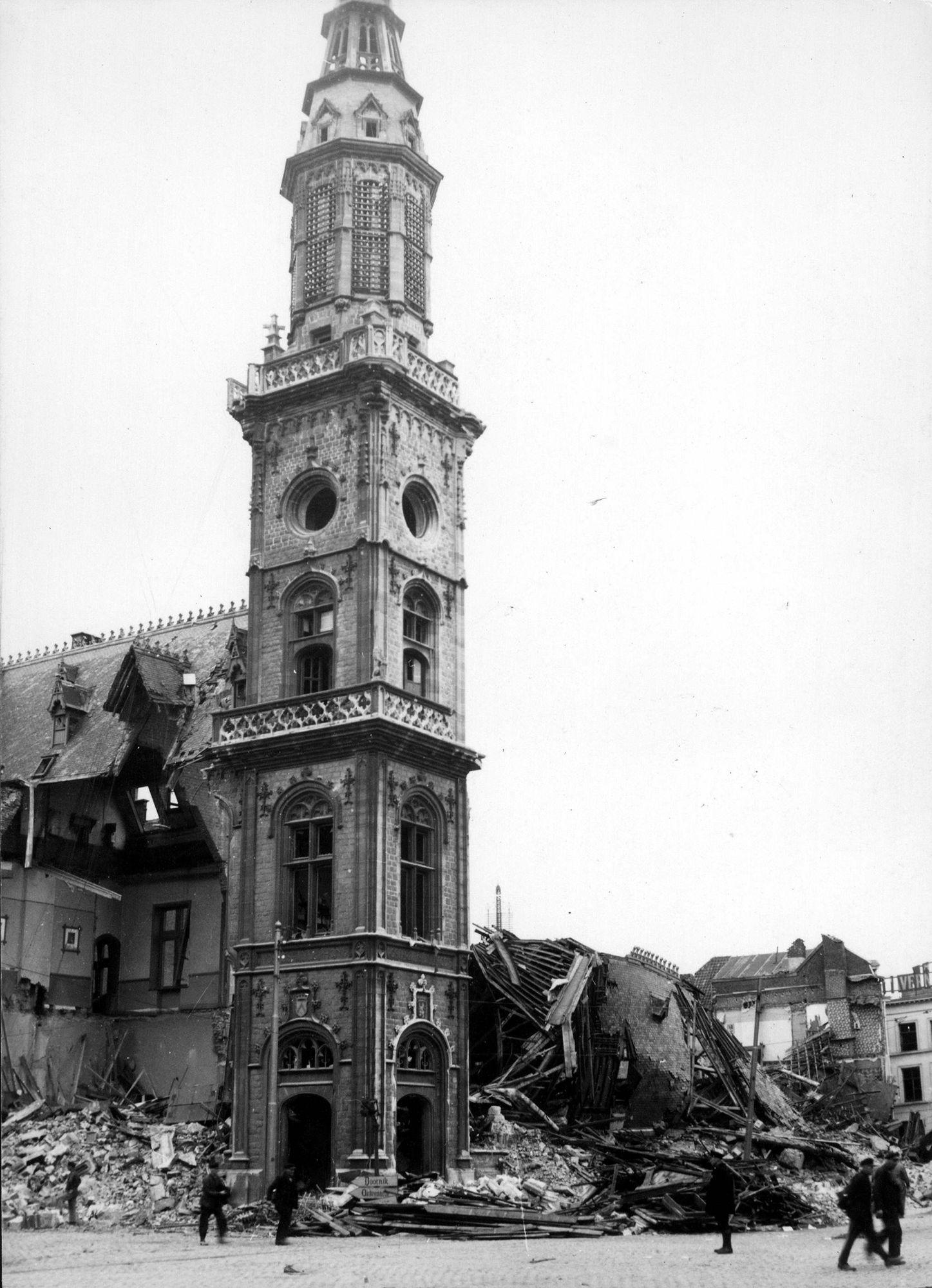 Postgebouw in 1944