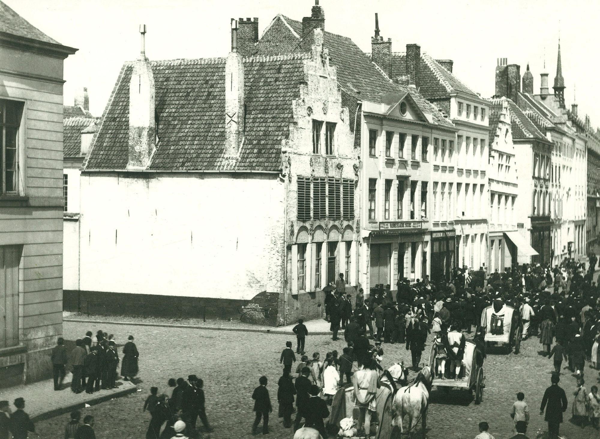 Optocht Circus Fernando in de Rijselstraat op 2 juli 1882