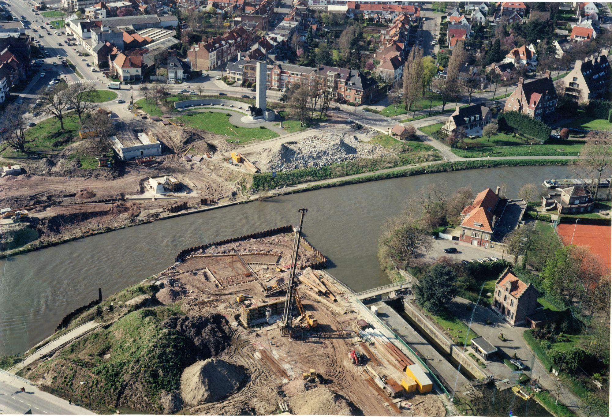 Bouw Groeningebrug 2001
