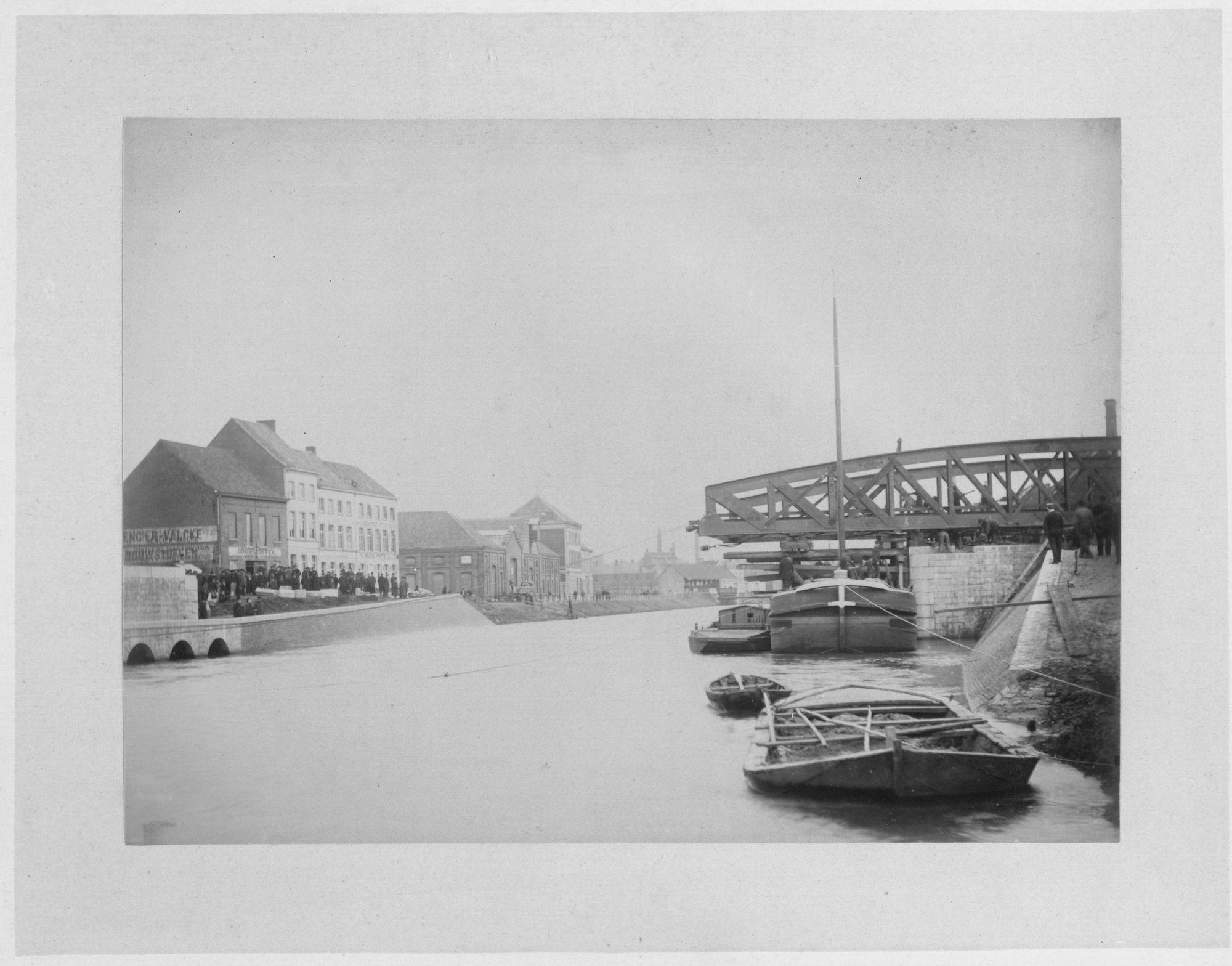 Gerechtshofbrug: plaatsing nieuwe brug 1892