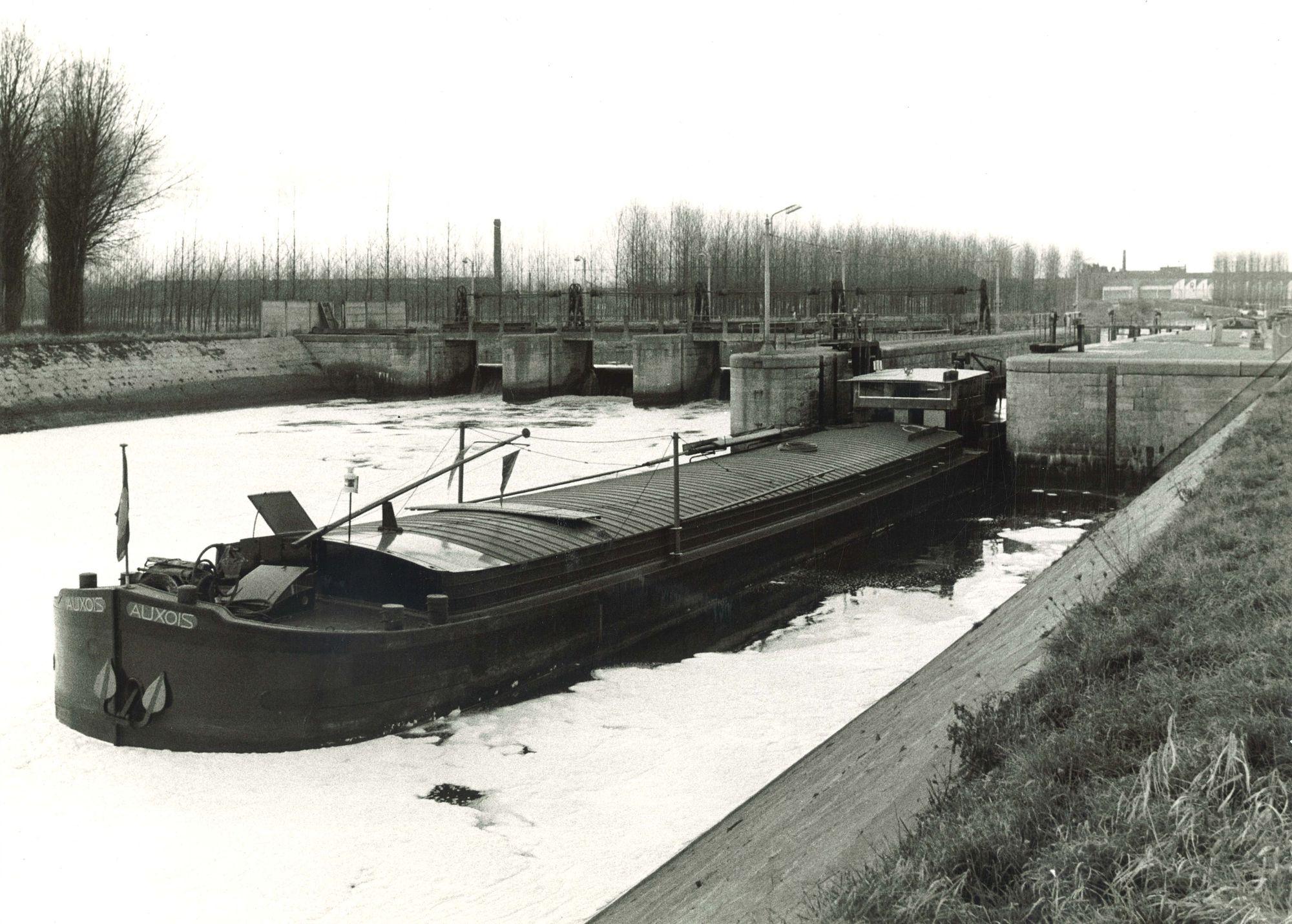Oud sluizencomplex Menen 1974