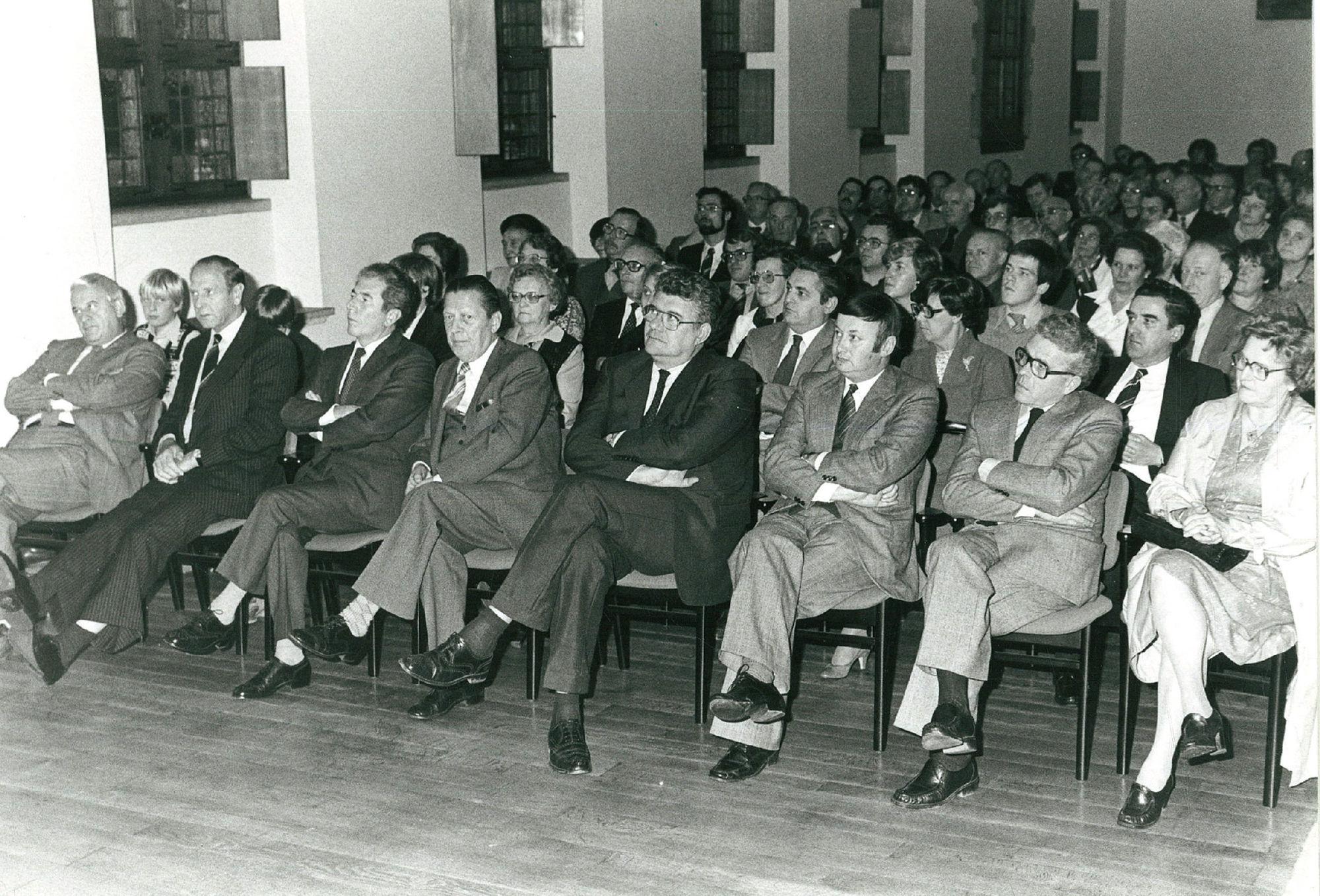 Stadhuis, presentatie verhandeling over naamkunde