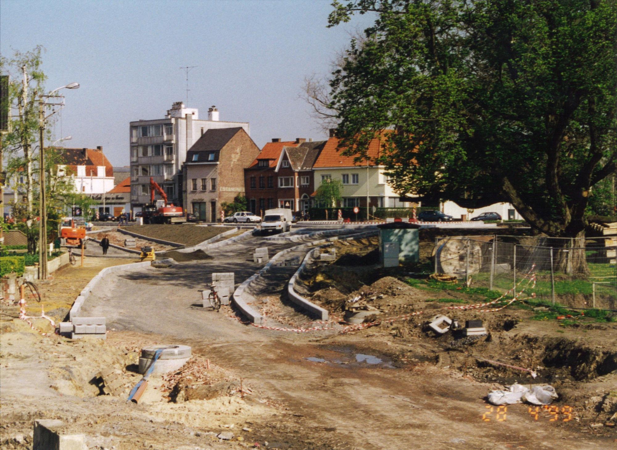 Aanleg rondpunt Albertpark-Burgemeester Vercruysselaan 1999