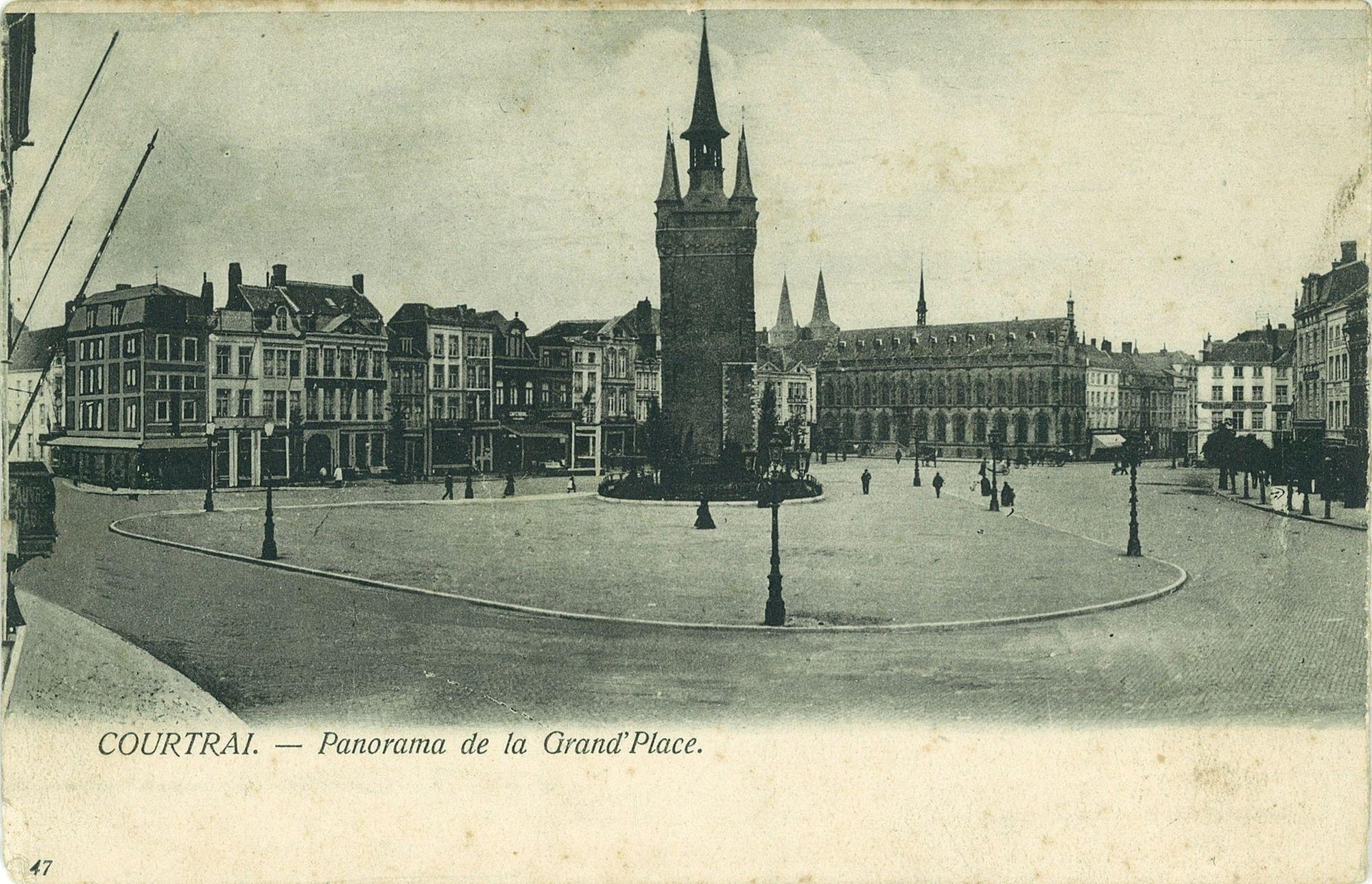 De Grote Markt met Belfort en het stadhuis