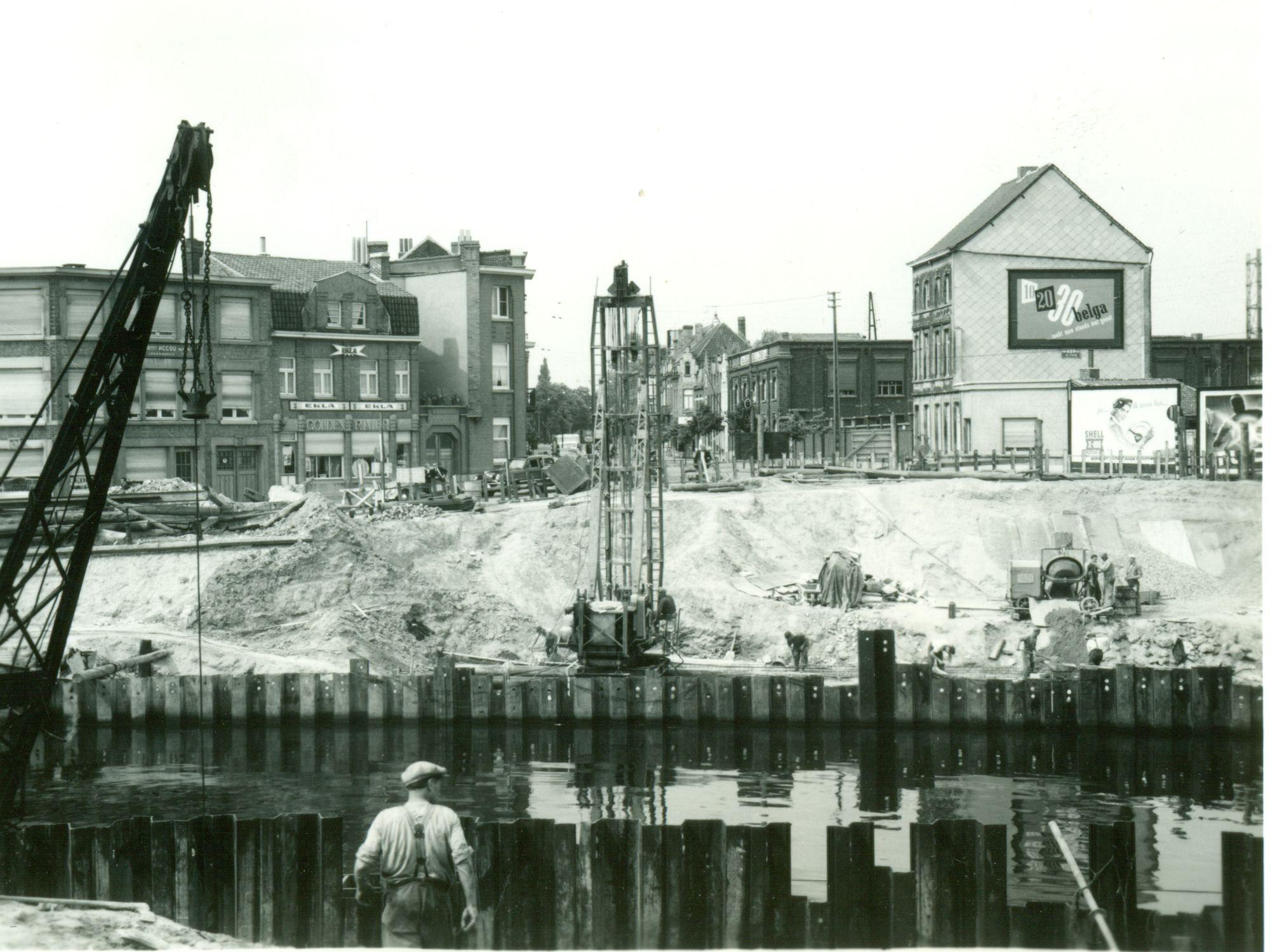 Bouw Gerechtshofbrug 1954