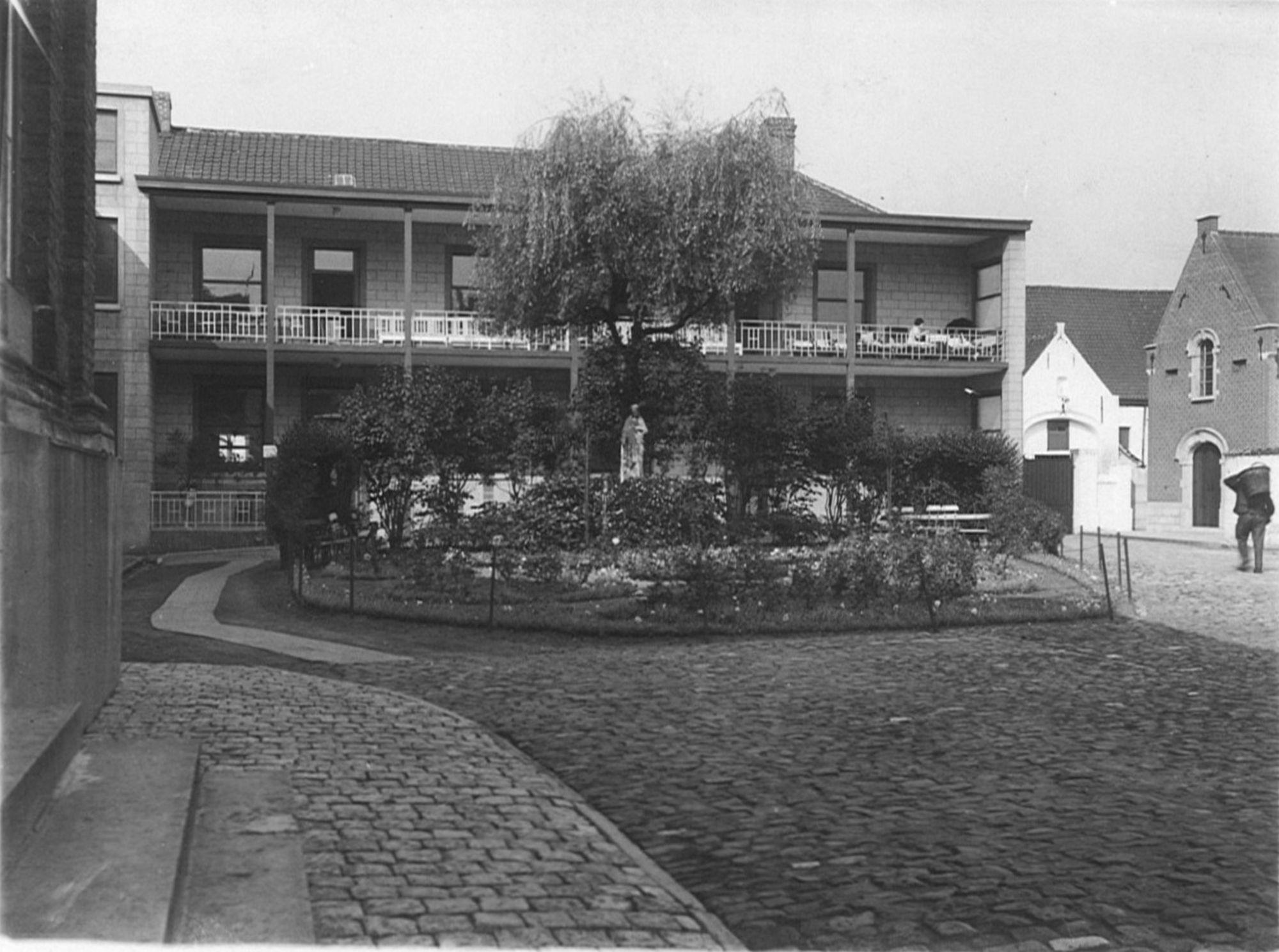 Binnenplein Onze-Lieve-Vrouwehospitaal