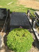 Grafsteen van Broeder Isidoor op het Sint-Janskerkhof