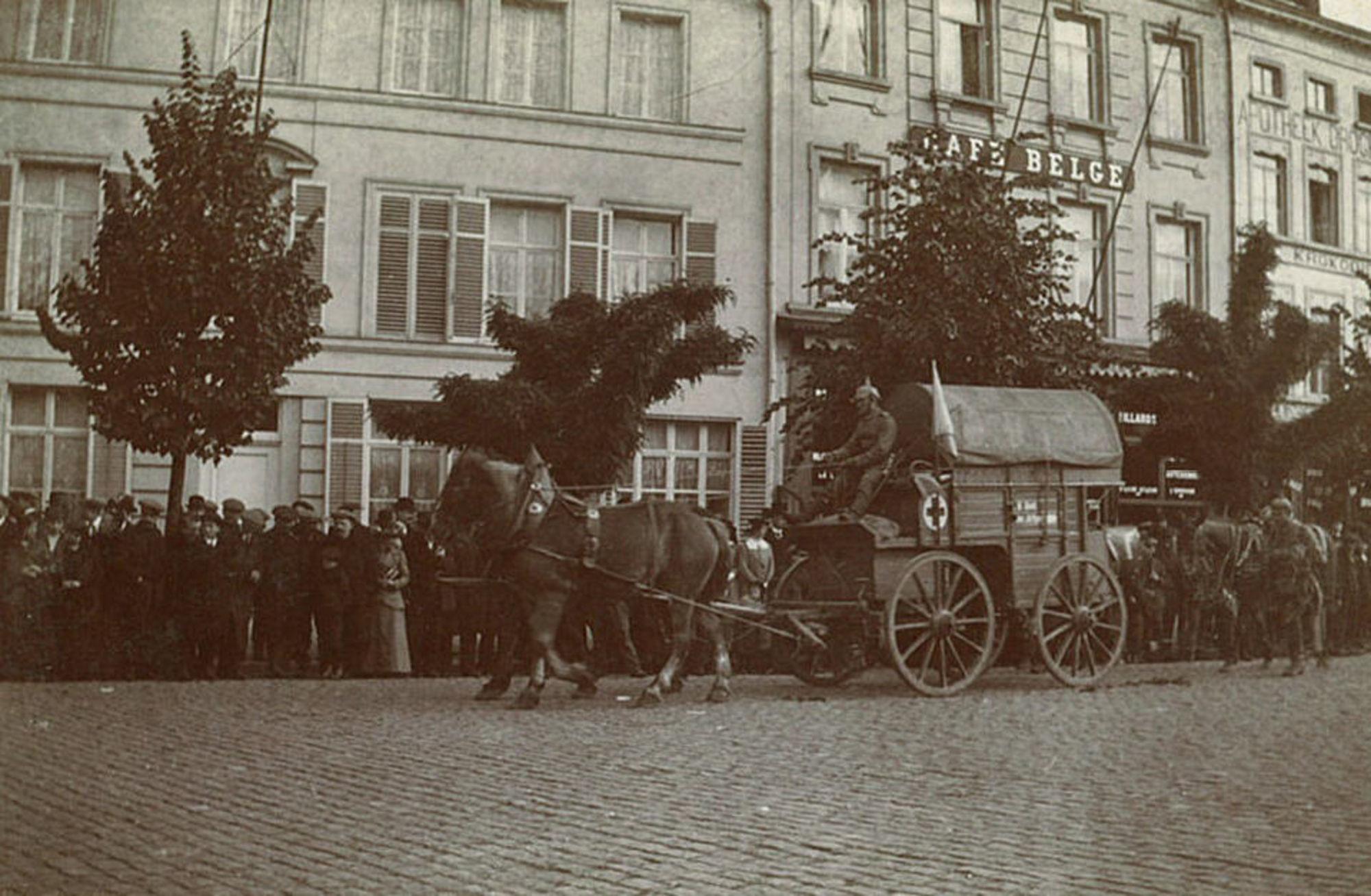 Duitse troepen op de Grote Markt in 1914