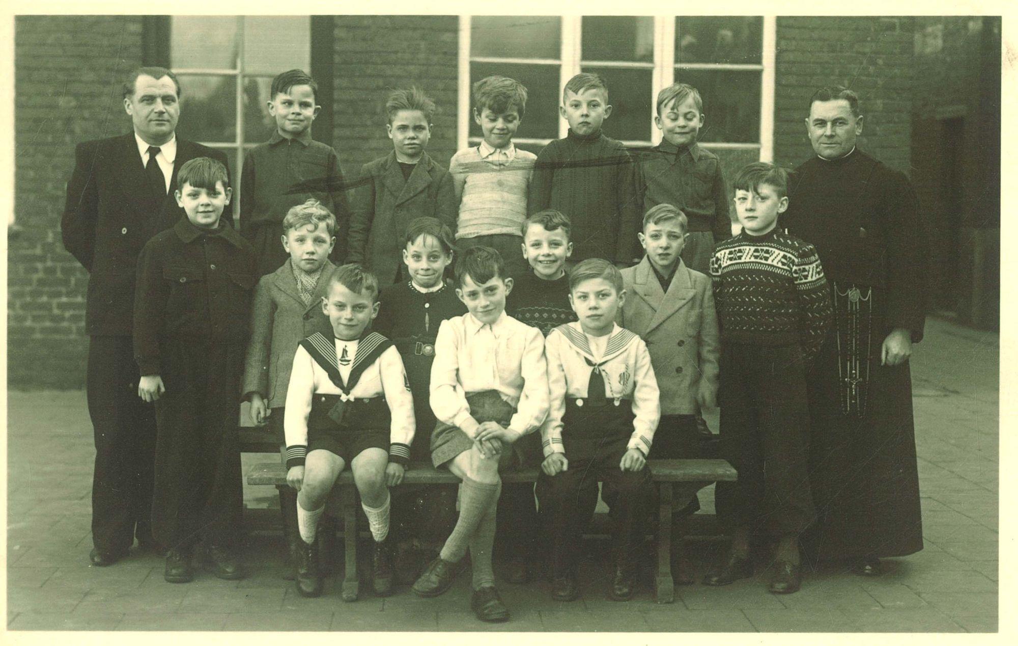 Klasfoto 3e leerjaar 1949, Broederschool Overleie