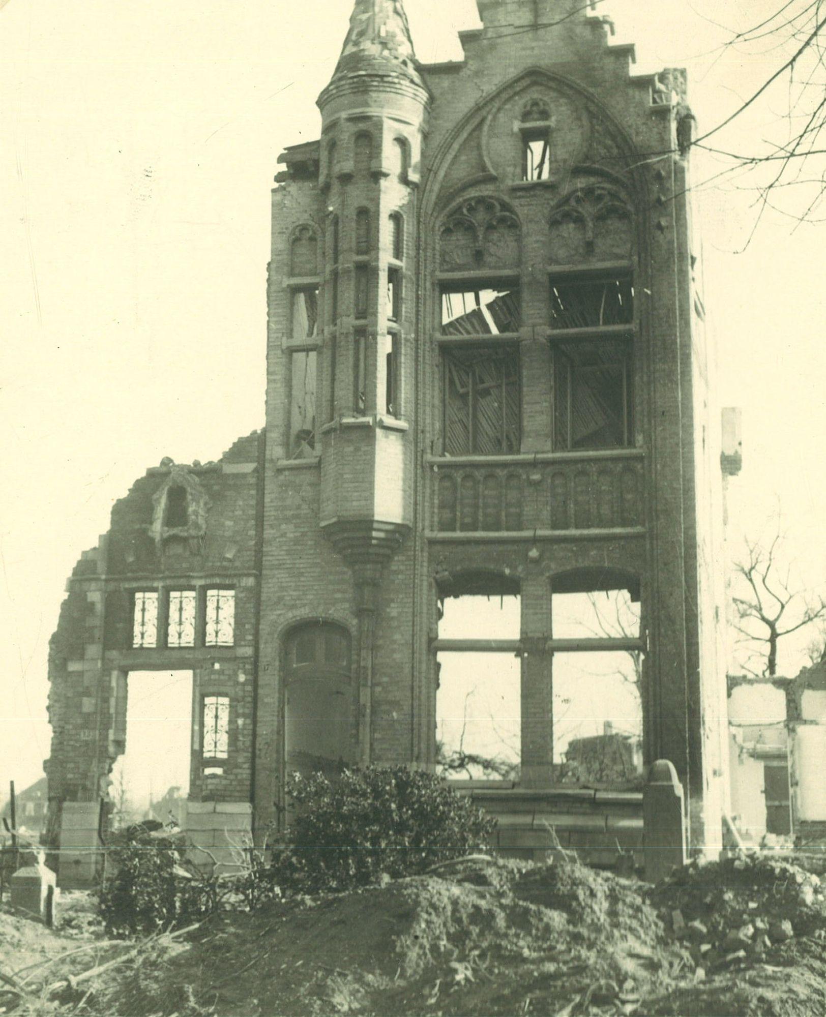 Bombardementen in de Minster Vanden Peereboomlaan 17