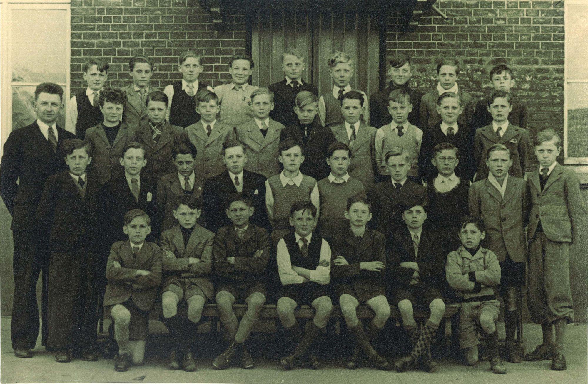 Klasfoto 5eleerjaar 1946-47, Broederschool Overleie