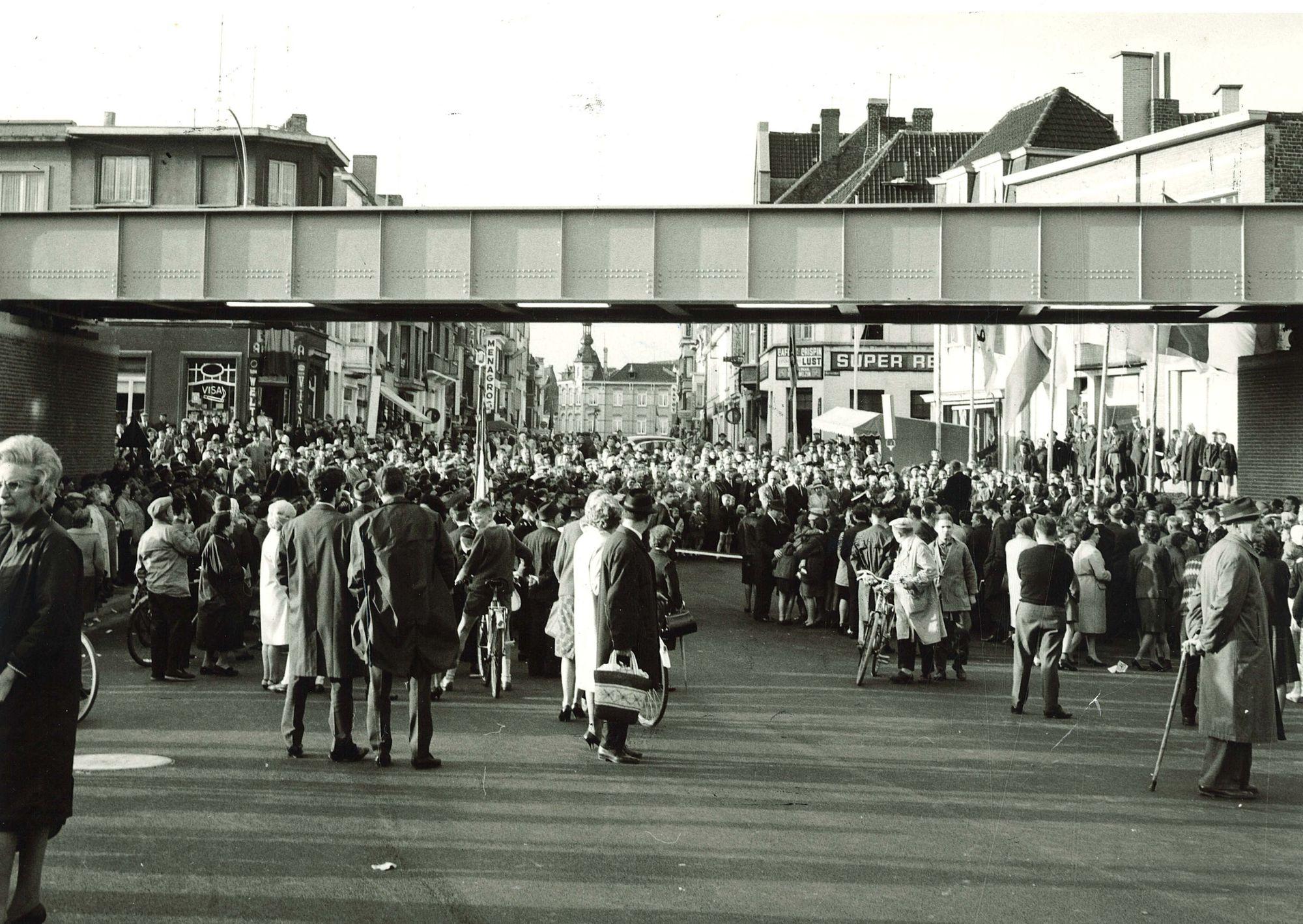 Opening tunnel Zwevegemsestraat