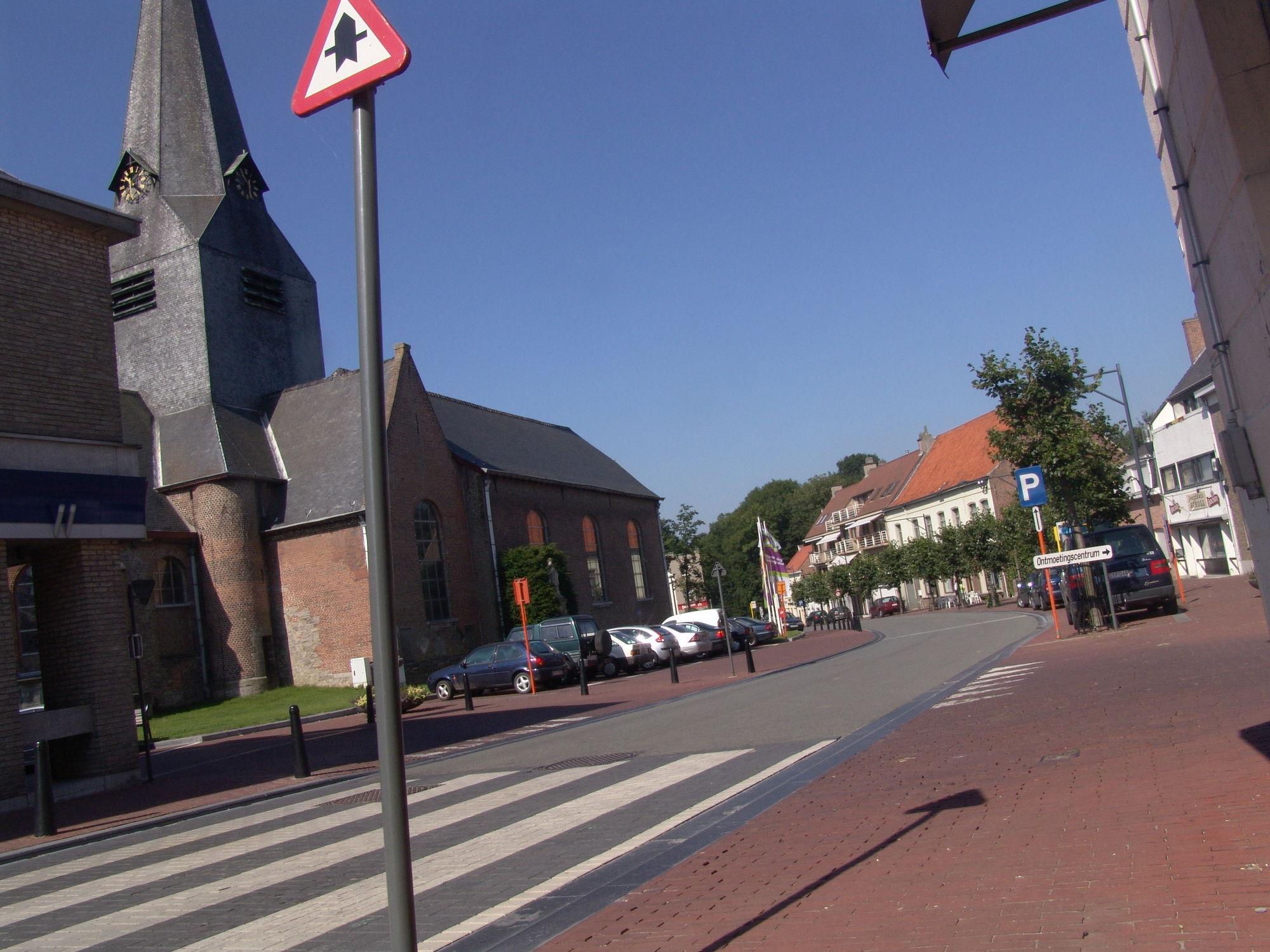 Bellegem St Amanduskerk