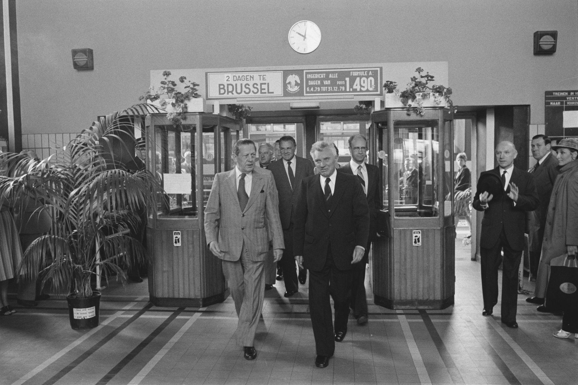 Vernieuwde station van Kortrijk 1980