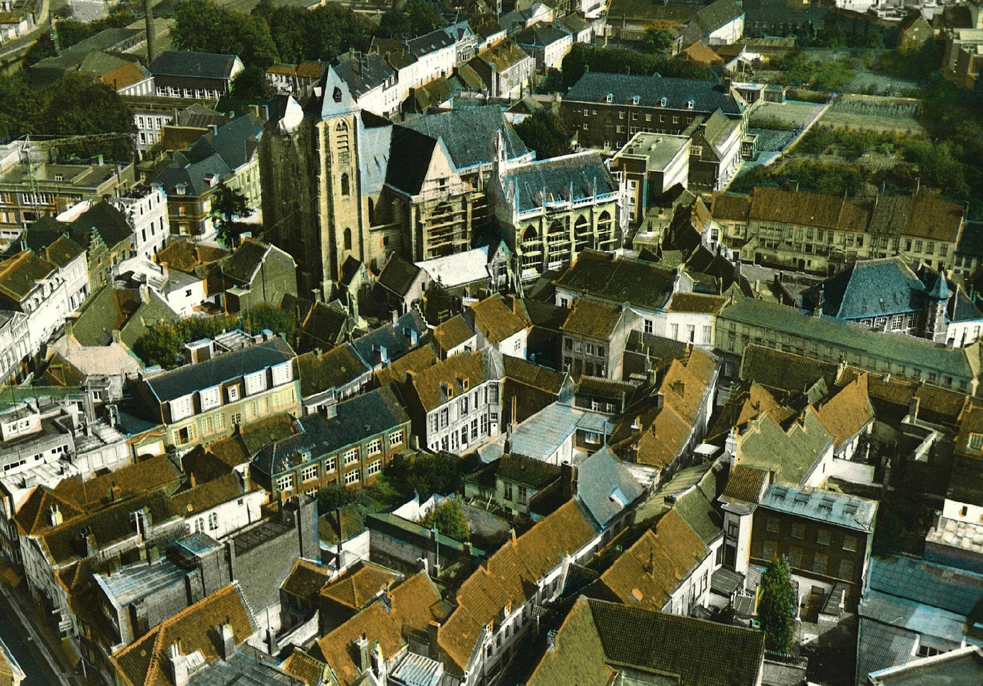 Luchtfoto Onze-Lieve-Vrouwekerk