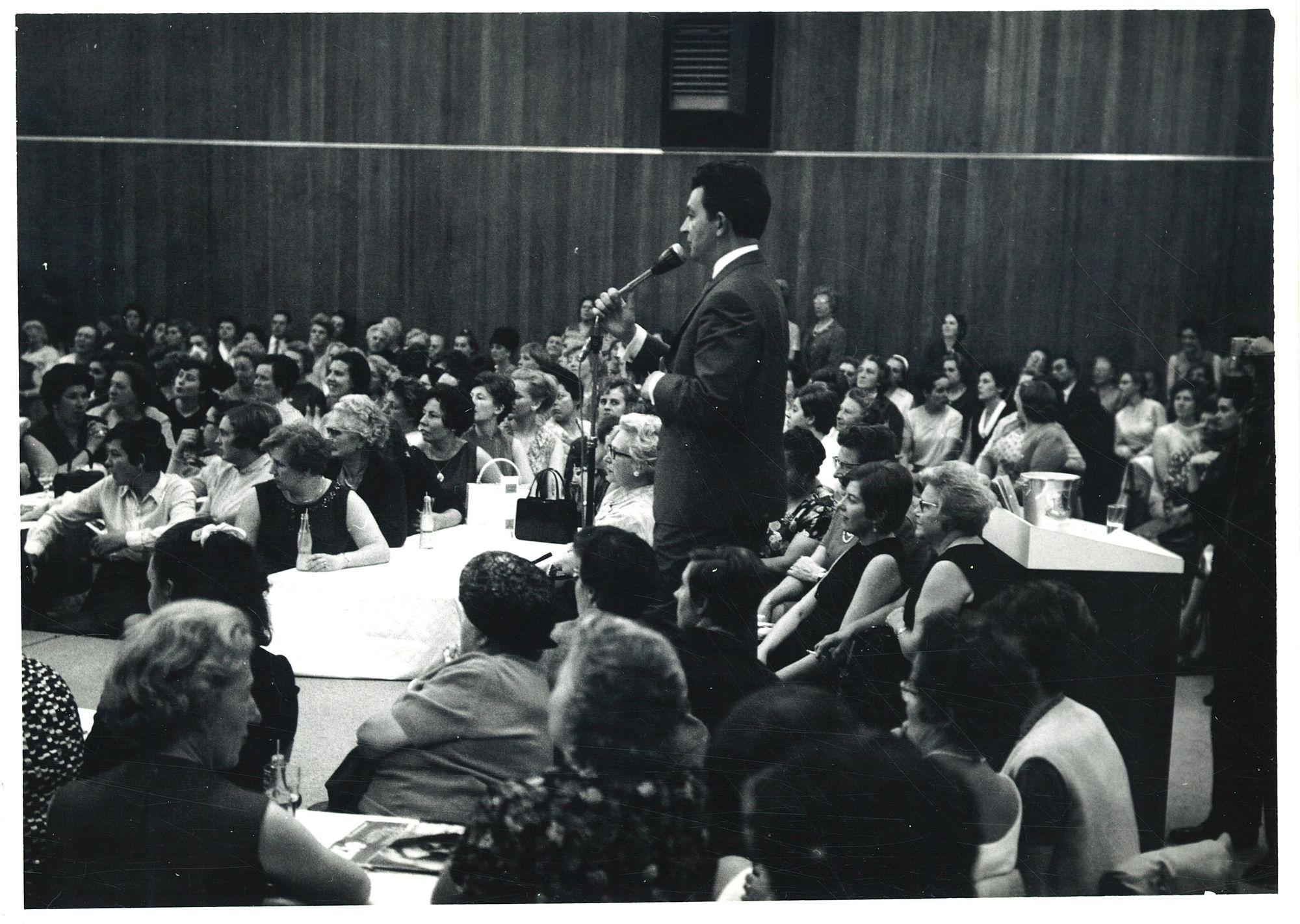Tony Corsari in De Hallen