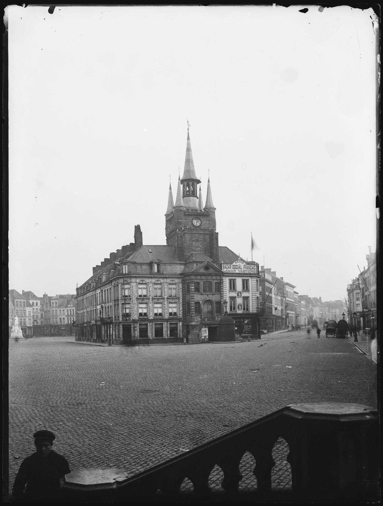 Belfort en hallen op de Grote Markt