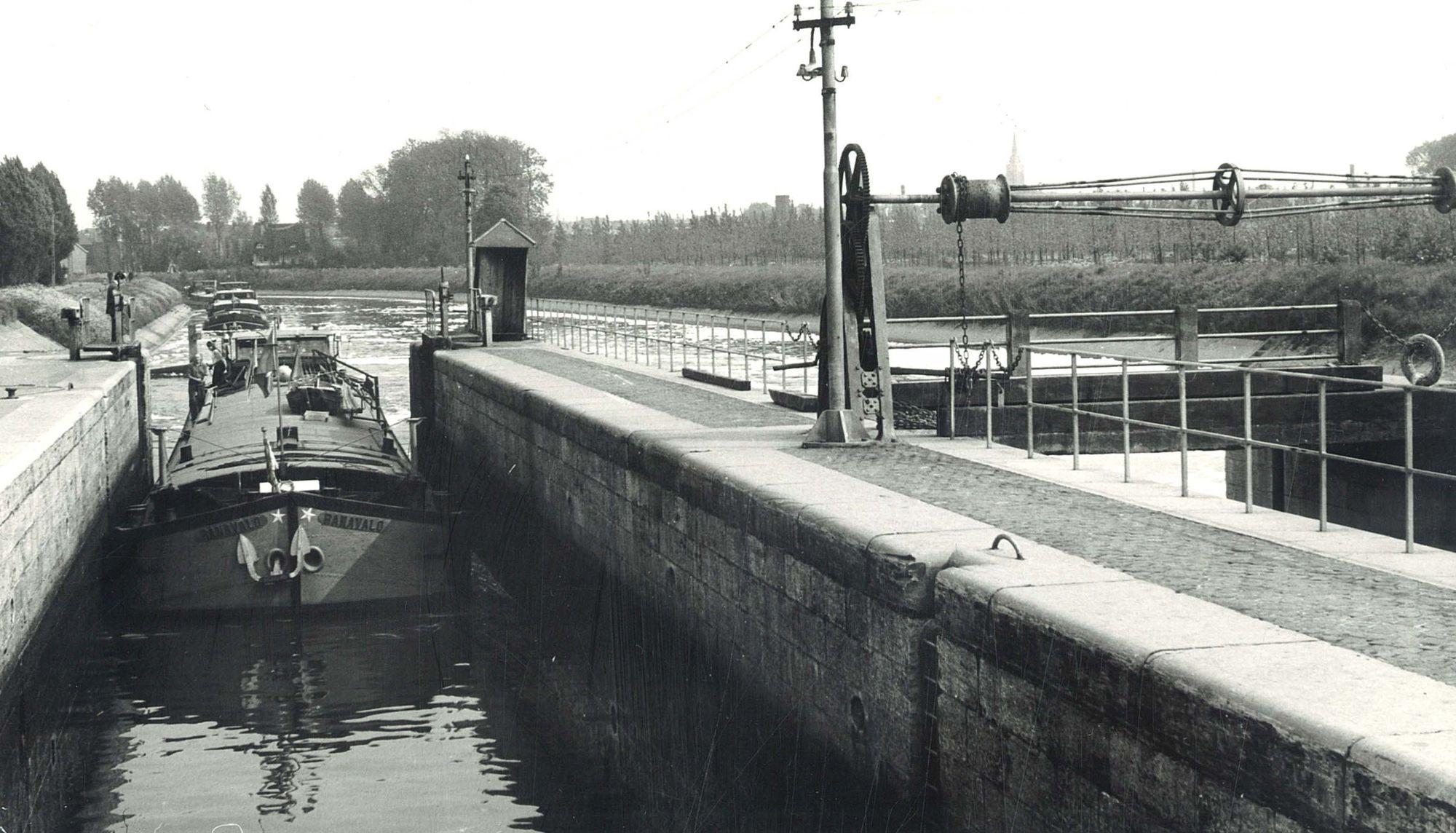 Oud sluizencomplex van Menen 1982