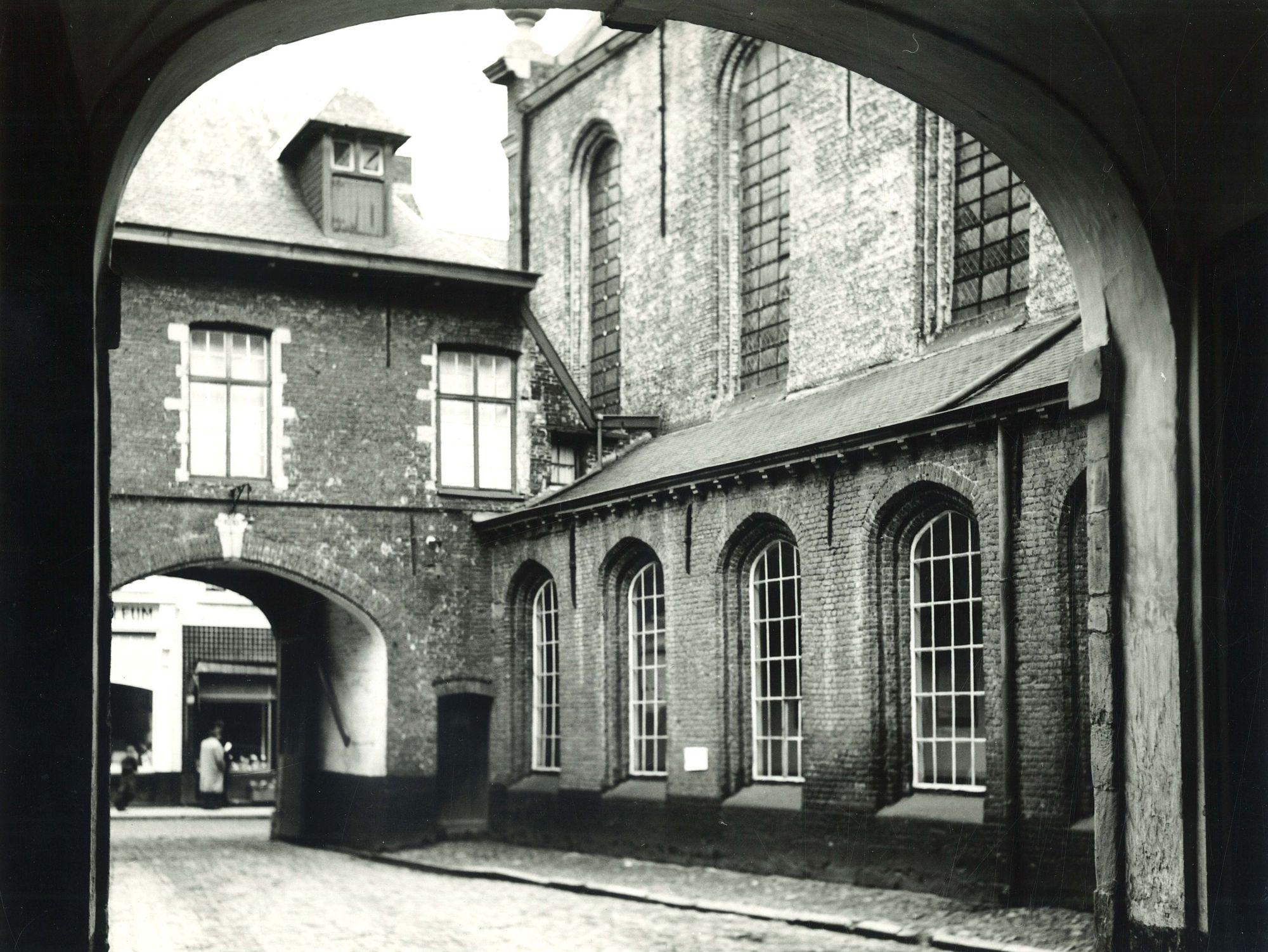Onze-Lieve-Vrouwhospitaal 1974