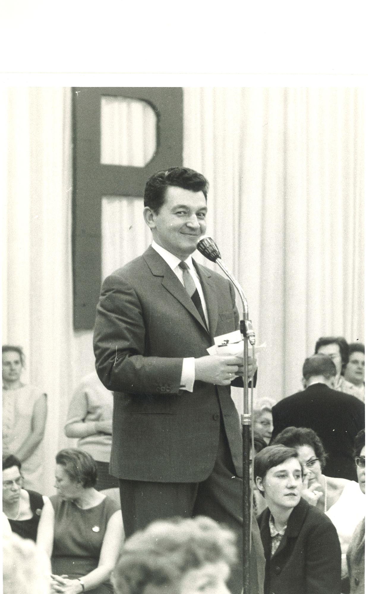 Zanger Tony Corsari