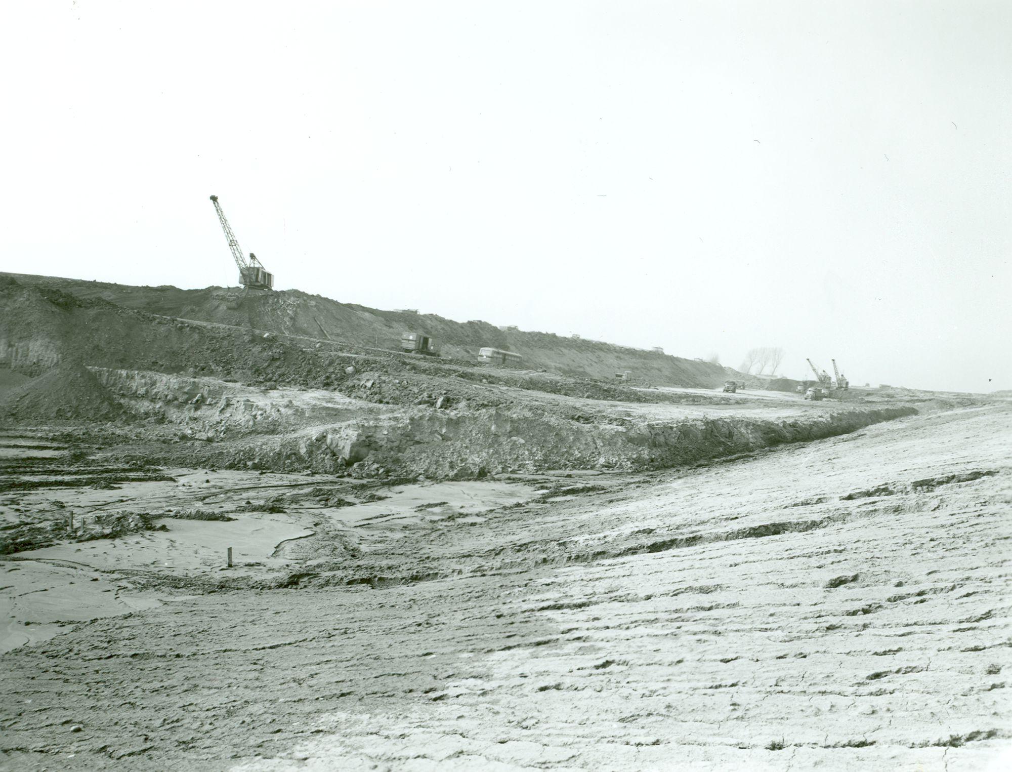 Graafwerken afbraak tunnel (Souterrain) in Moen 1970
