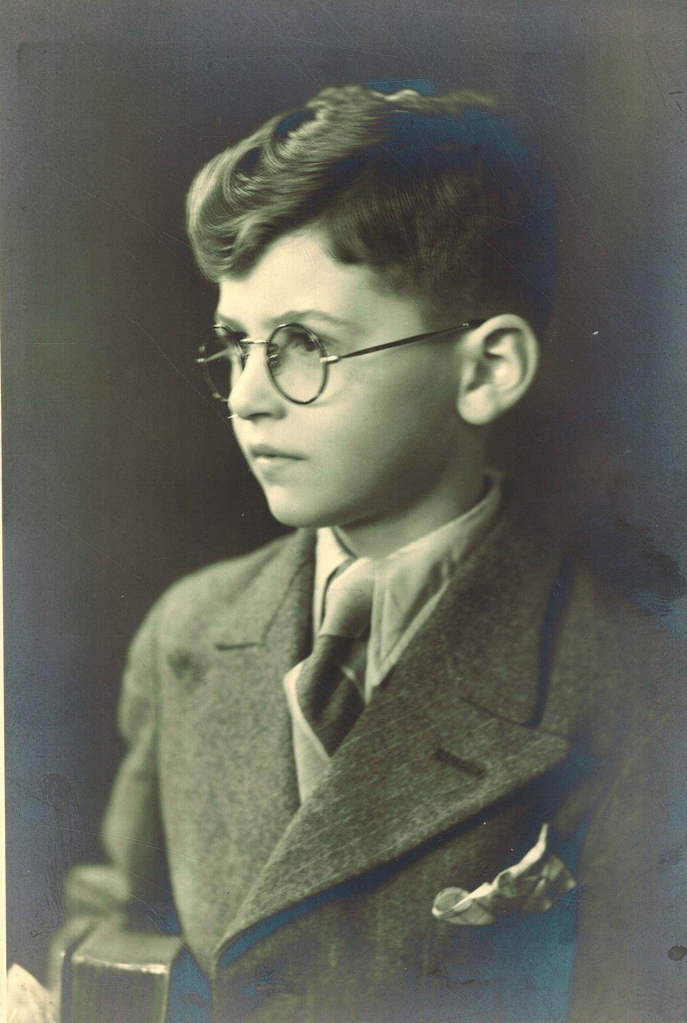 Charles Traest, leerling Broederschool Overleie