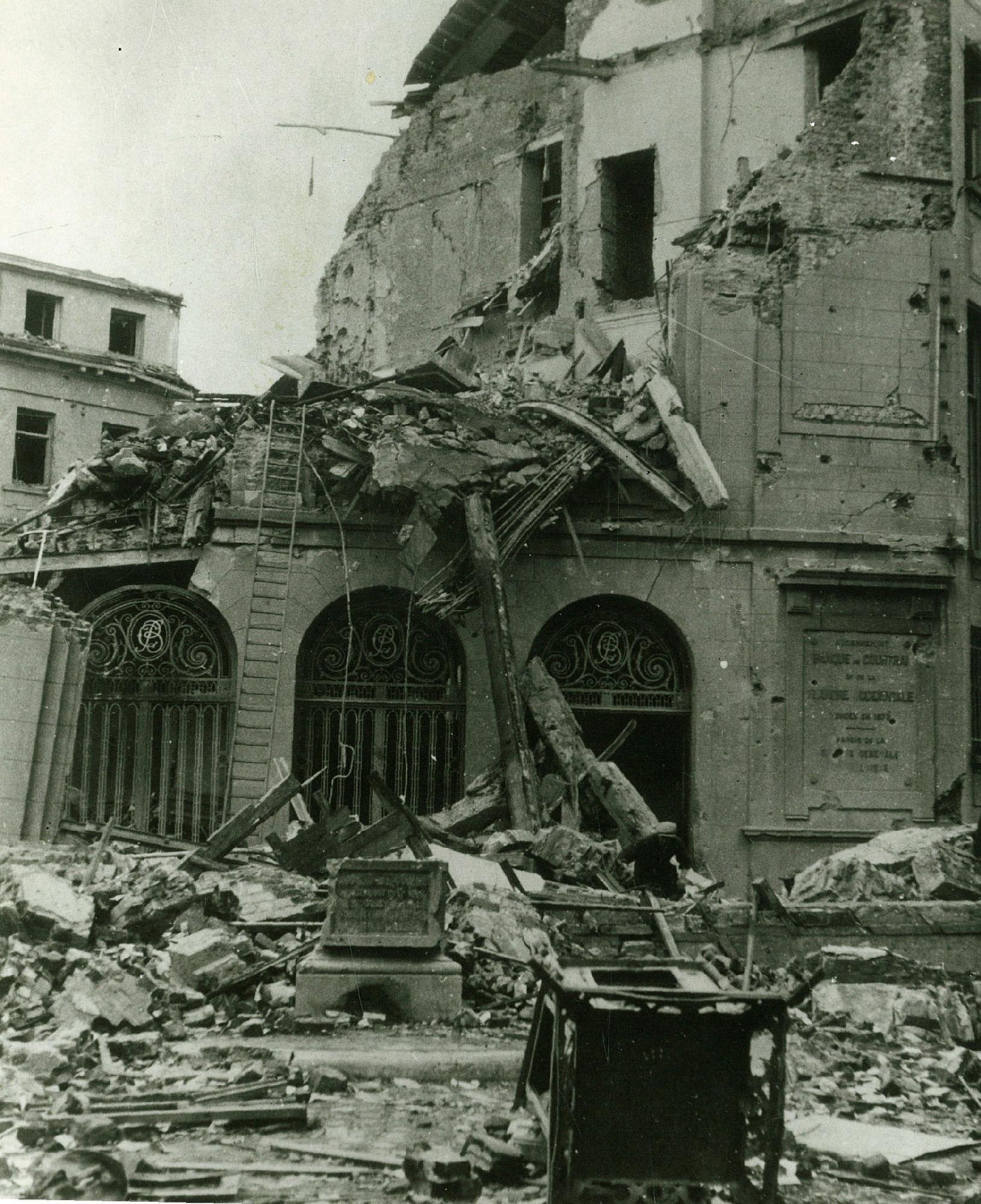 Puinen van de Generale Bank in 1944