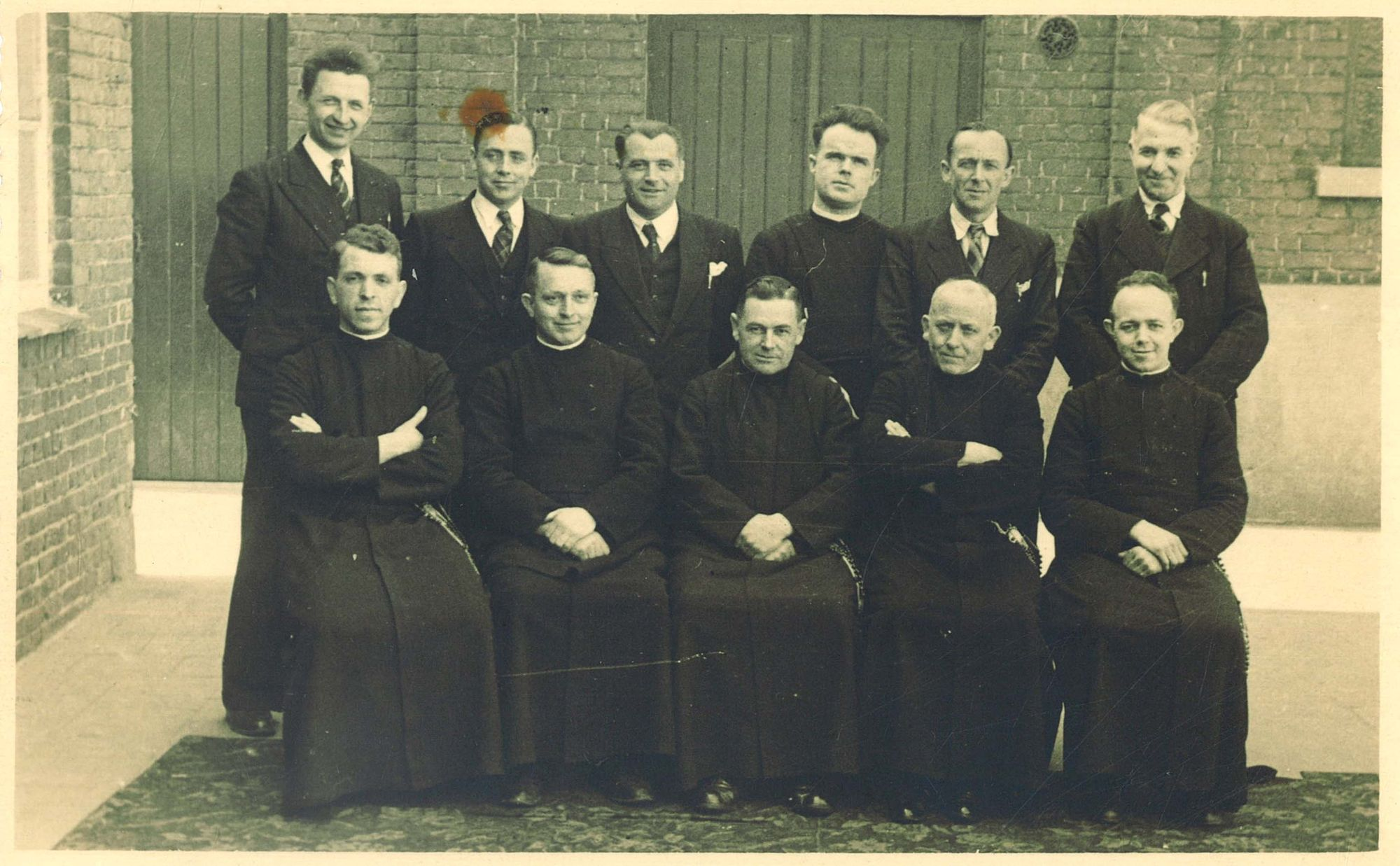 Onderwijzend personeel in de Broederschool Overleie