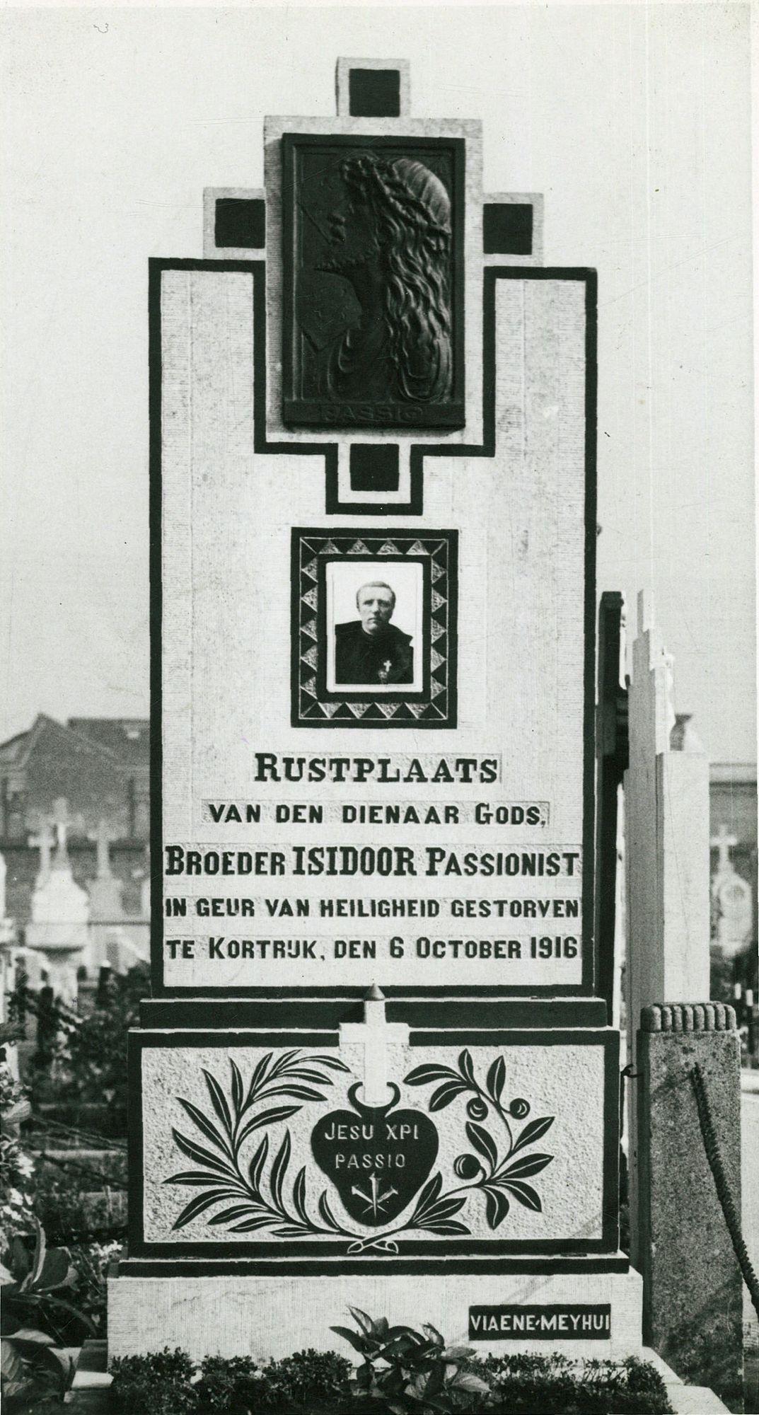 De grafsteen van broeder Isidoor